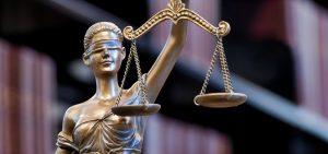 La dama de la justicia